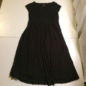 Liz Lange maternity black midi dress